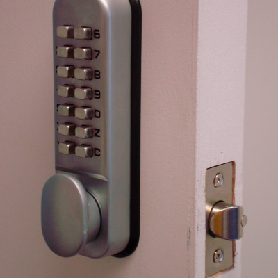 Handyman-Services-London-Lock-Fitting